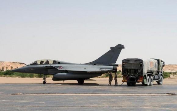 Caças Rafale fazem desdobramento em Faya-Largeau - foto 4 Força Aérea Francesa