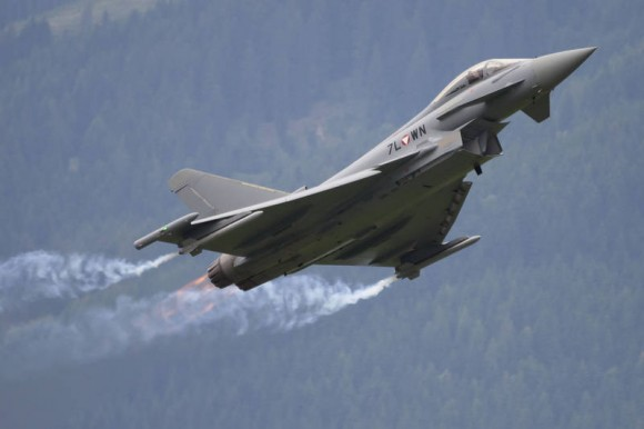 FUERZA AÉREA AUSTRÍACA Eurofighter-da-For%C3%A7a-A%C3%A9rea-Austr%C3%ADaca-foto-Eurofighter-580x386