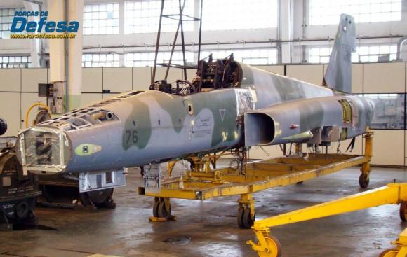 F-5EM 4876 no Domingo Aéreo 2013 PAMA-SP - Foto Nunão - Poder Aéreo - Forças de Defesa