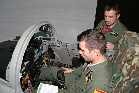 F-5M da Ala 23 - simulador - foto Força Aérea Espanhola