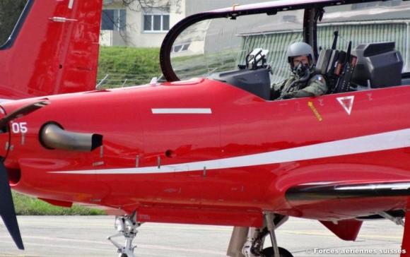 Capitão Burgart francês em treinamento na Suíça - foto Força Aérea Suíça via Força Aérea Francesa