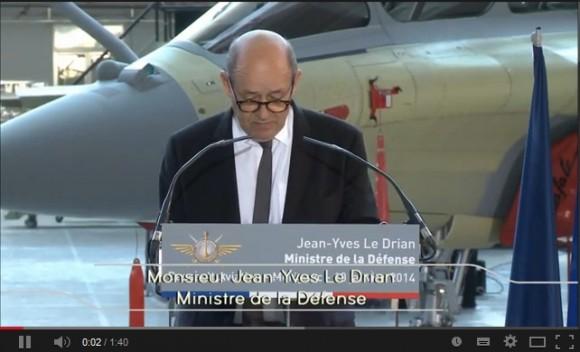 Cena vídeo lançamento Rafale F3R em Merignac - discurso MD Le Drian - vídeo Dassault
