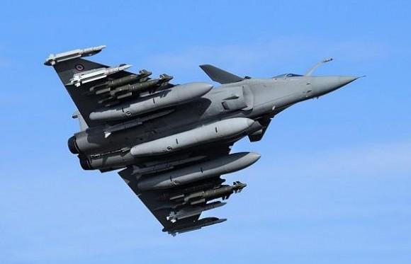 Rafale em teste com seis AASM dois Meteor quatro Mica e três tanques de 2000l - foto 4 Dassault