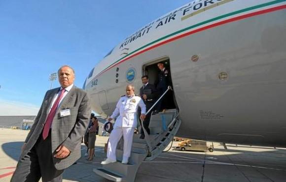 C-17 - primeiro exemplar do Kuwait - cerimônia de entrega - foto via Long Beach Press Telegram