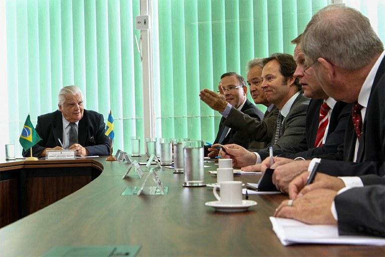 encontro ministro Raupp e embaixador da suecia - foto MCTI