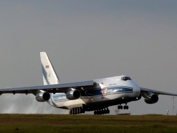 Antonov pousa em Viracopos - foto via G1