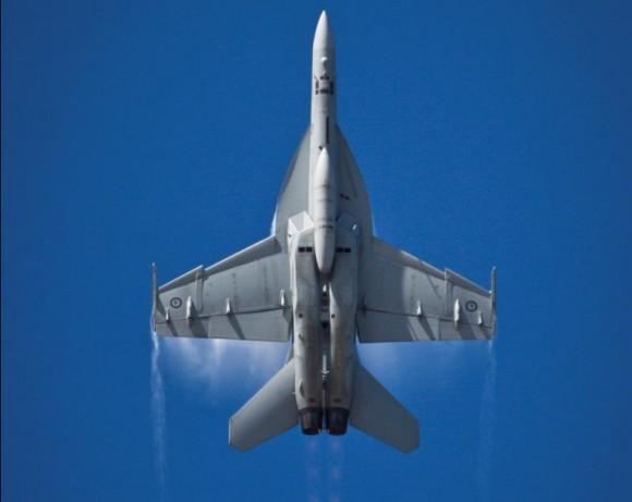 Super Hornet RAAF se apresenta nos 100 anos aviação militar Austrália - foto Dept Def Australia