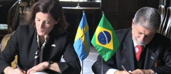 A ministra da defesa da Suécia, Karin Enström, afirmou que a parceria com o Brasil vai além da compra dos caças