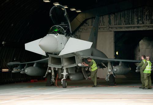 Typhoon é preparado para desdobramento na Lituânia para proteger o Báltico - foto RAF