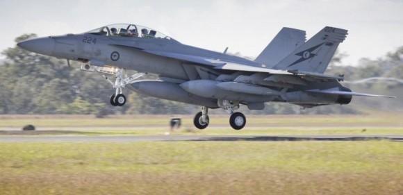 Exercício Stoneage - Super Hornet da RAAF com JSOW - foto MD Australia