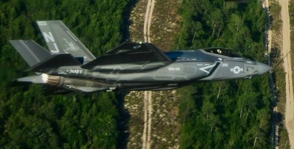 F-35C próximo a Eglin - foto USAF
