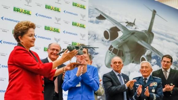 KC-390 e autoridades na inauguração hangar em Gavião Peixoto - foto 5 Roberto Stuckert Filho - Planalto