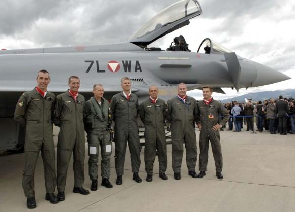 Pilotos de Eurofighter da Áustria na época das primeiras entregas - foto Forças Armadas Austríacas