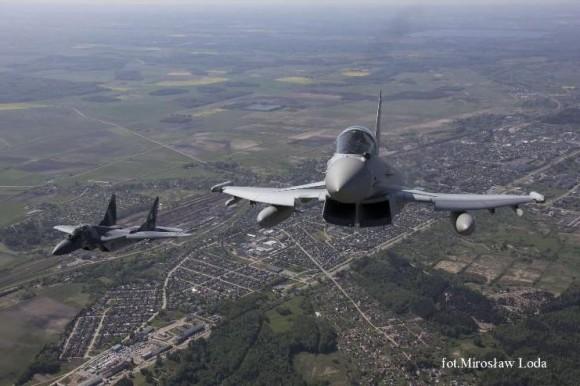 Typhoon e MiG-29 na Lituânia - foto 2 via MD Polônia