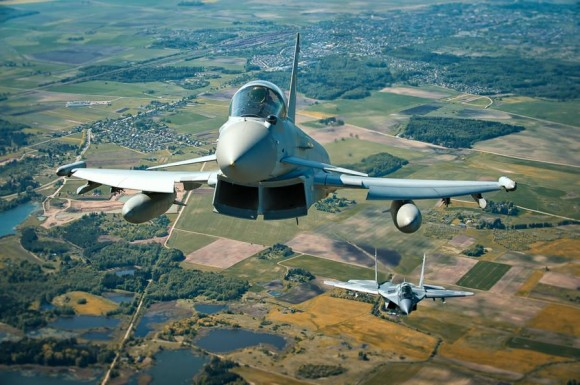 Typhoon e MiG-29 na Lituânia - foto via MD Polônia