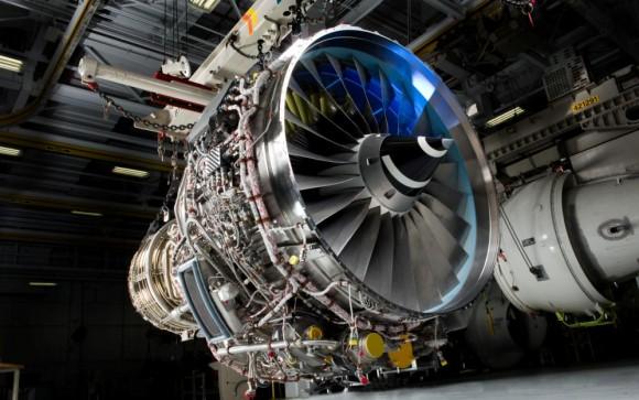 V2500-E5 de testes para o Embraer KC-390 - foto IAE