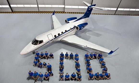 Entrega número 500 da família Phenom - foto Embraer
