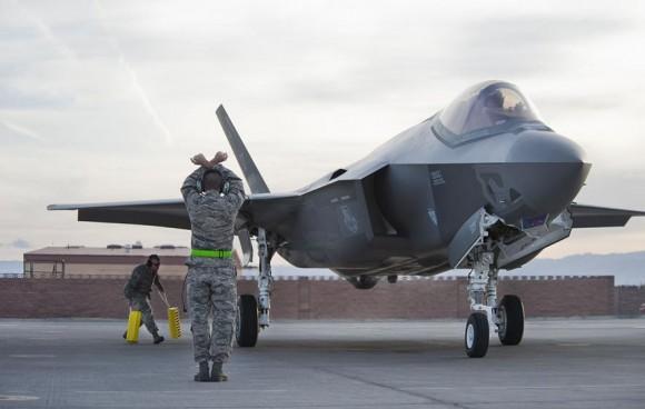 F-35 na Base Aérea De Nellis - foto USAF