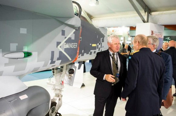 Farnborough - maquete Gripen - foto 11 Saab