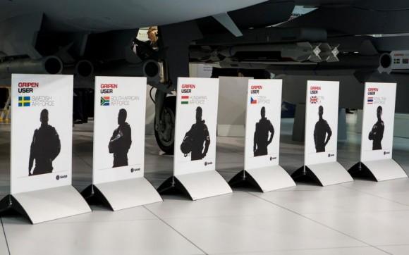 Farnborough - maquete Gripen - foto 6 Saab
