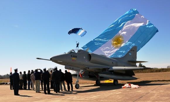 A-4B C222 El Tordillo restaurado pela Área de Material Rio IV - foto Força Aérea Argentina