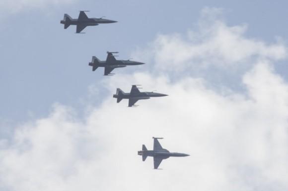Esquadrilha de caças F-5M - foto cb Vinicius Santos - Ag Força Aérea - FAB