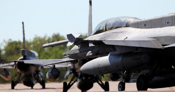 Pitch Black 14 - F-16 de Cingapura - foto 2 MD Australia