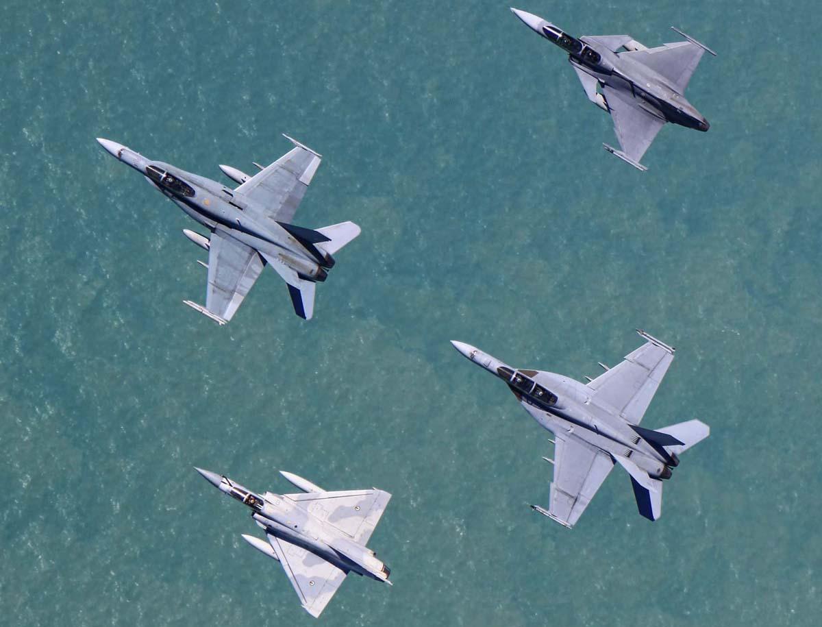 Pitch Black 2014: hora dos caças posarem para as câmeras - Poder Aéreo - Forças Aéreas, Indústria Aeronáutica e de Defesa