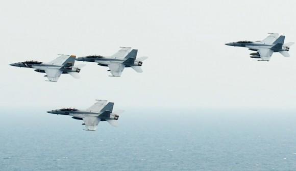 caças Super Hornet  - foto USN