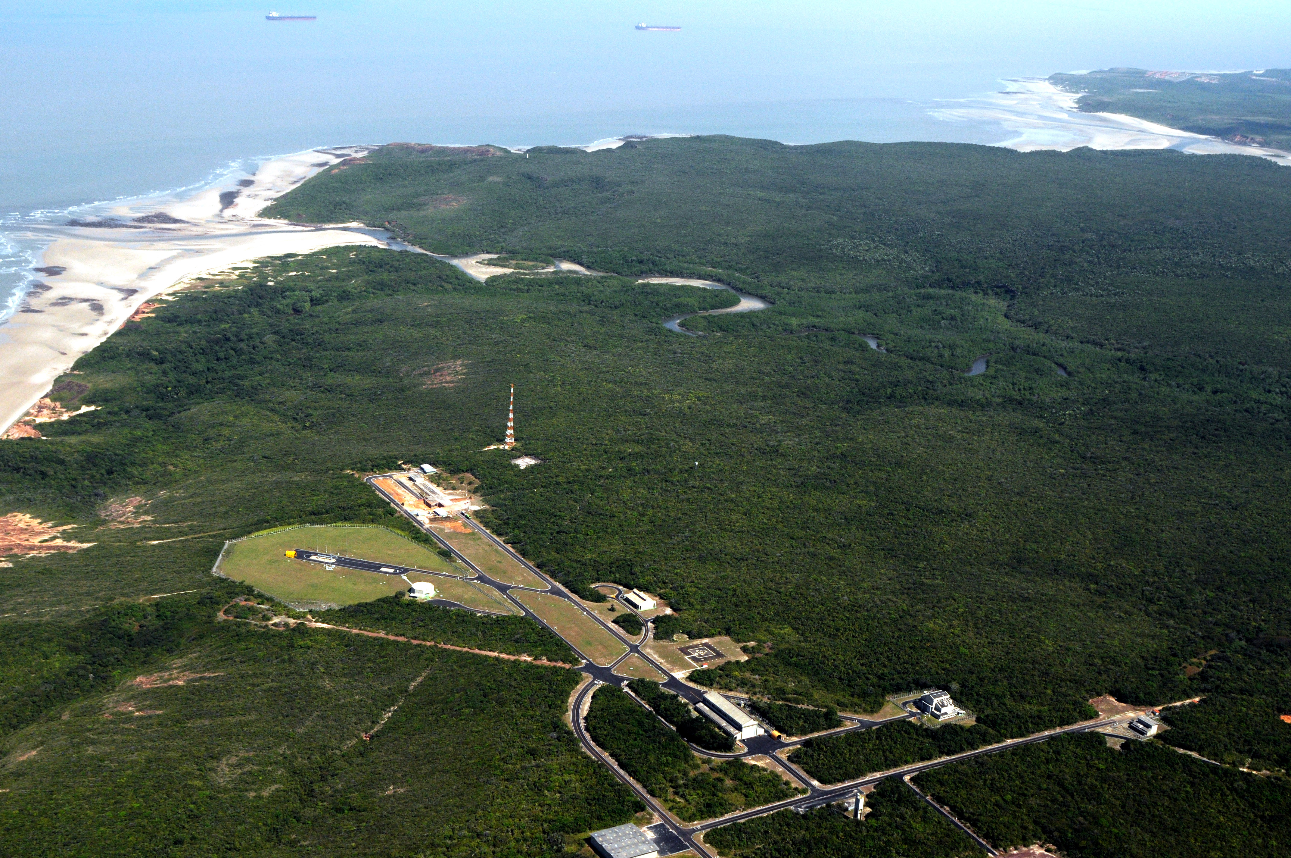 Resultado de imagem para Centro de Alcântara para lançar foguetes