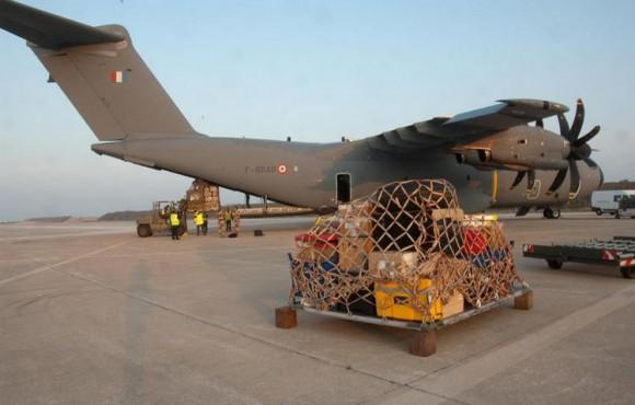 A400M transporta pessoal e equipamento de inteligência - foto Min Def França