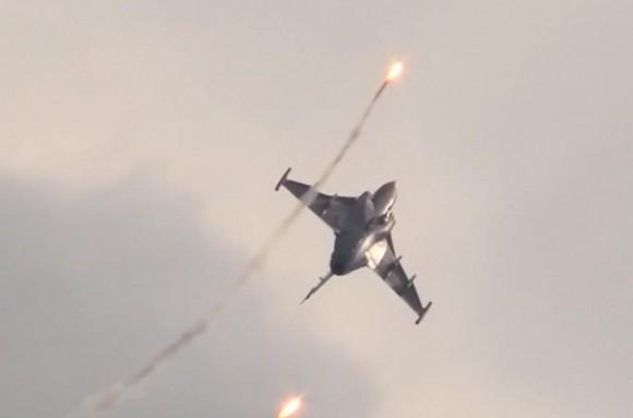 Cena vídeo apresentação Gripen no Dny NATO 2014