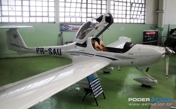 Domingo Aéreo PAMA-SP 2014 - Diamond Eclipse do Aeroclube de SP - foto Nunão - Poder Aéreo