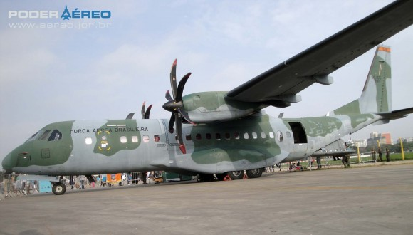 Domingo Aéreo PAMA-SP 2014 - SC-105 Amazonas - foto Nunão - Poder Aéreo