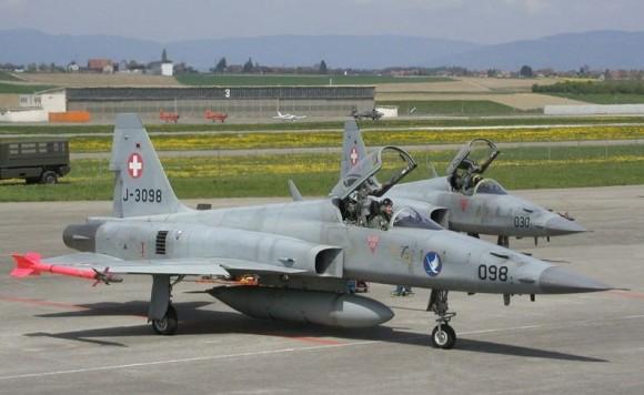 F-5 - foto 2  Força Aérea Suíça