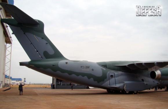 KC-390 - roll out - 21-10-2014 - foto 15 Nunão - Forças de Defesa