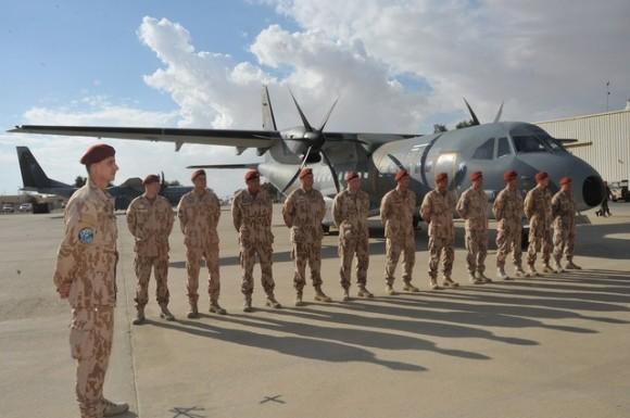 Esquadrão de C-295 tcheco condecorado no Sinai - foto 2 Min Def Rep Tcheca