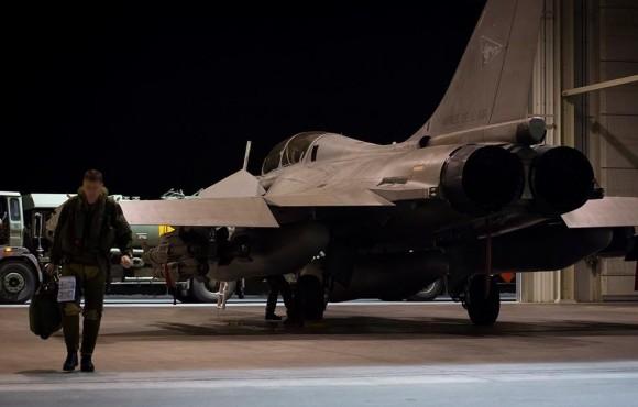Rafale com bombas guiadas empregado na Operação Chammal contra o EI - foto Min Def França