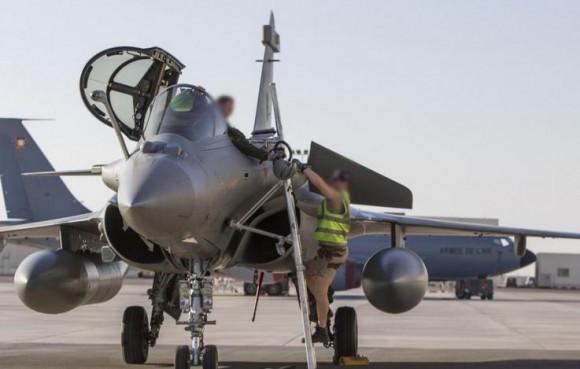 três caças Rafale substituem outros três na Operação Chammal - foto 2 via Força Aérea Francesa