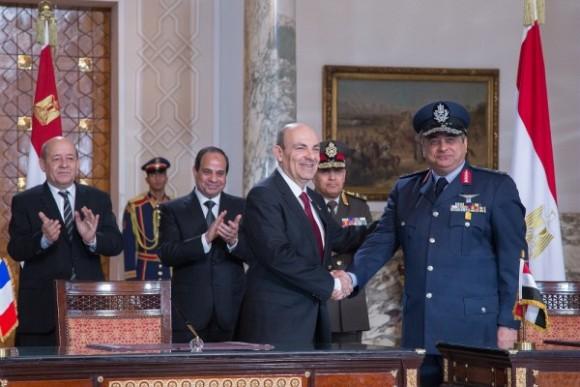 Assinatura do contrato de venda do Rafale para o Egito