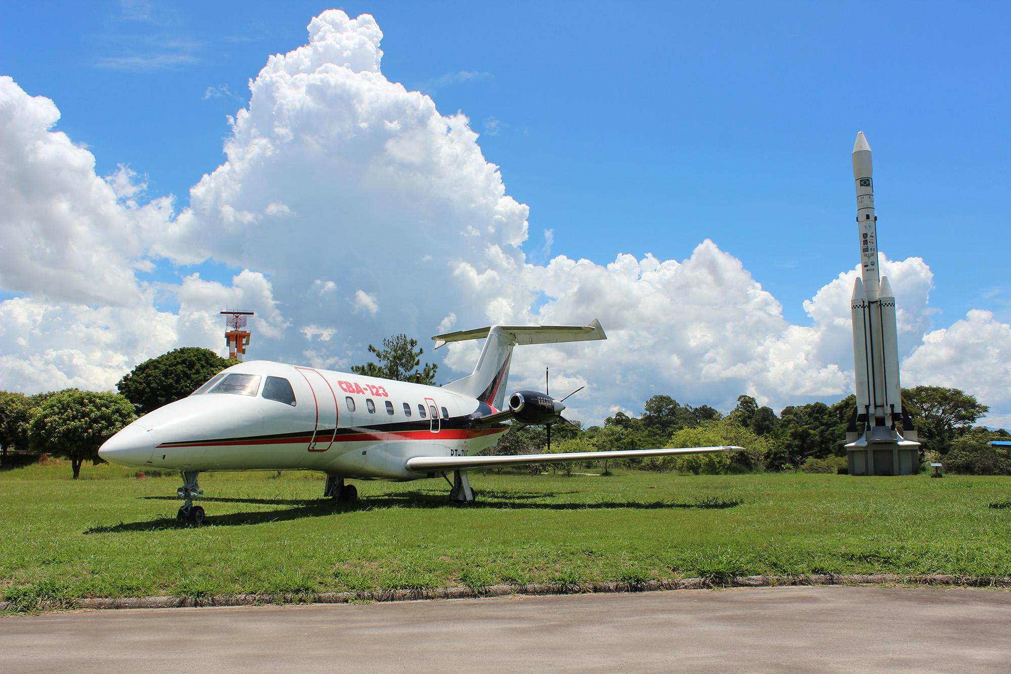 Fma-Embraer CBA-123 Vector AR/BR