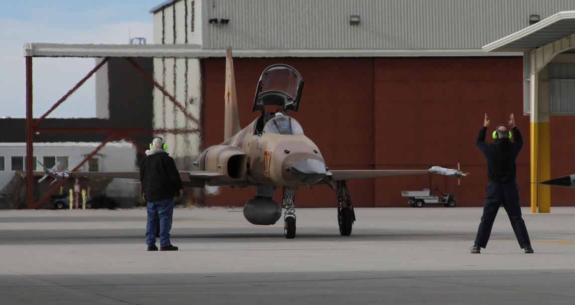 'F/A-27 Horker' o 'Su-18 Flankornet'? F-5-Tiger-II-do-VFC-13-na-NAS-Fallon-foto-4-USN