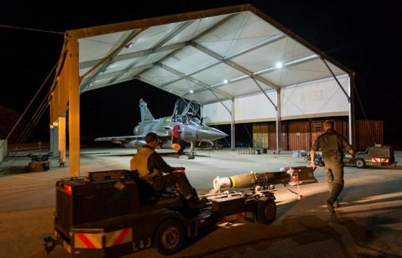 Operação Chammal - Mirage 2000D e bomba guiada - foto via Min Def França