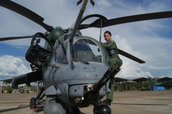 Tenente Vitória em AH-2 Sabre - foto 3 FAB
