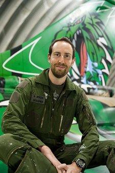 Capitão da reserva Regis Rocca e Rafale Monster Tiger - foto Força Aéra Francesa