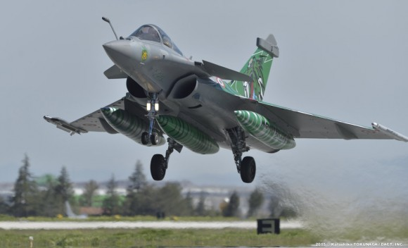 Rafale Monster Tiger do esq Provence participa do Tiger Meet 2015 - foto 3 Força Aérea Francesa