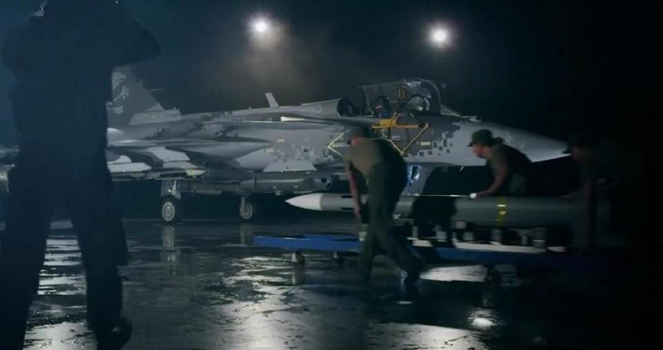 cena vídeo promocional Gripen 5-6-2015 - The Smart Fighter - Saab