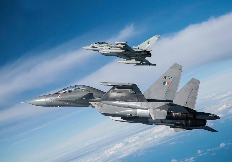 Sukhoi Su-30MKI e Eurofighter Typhoon