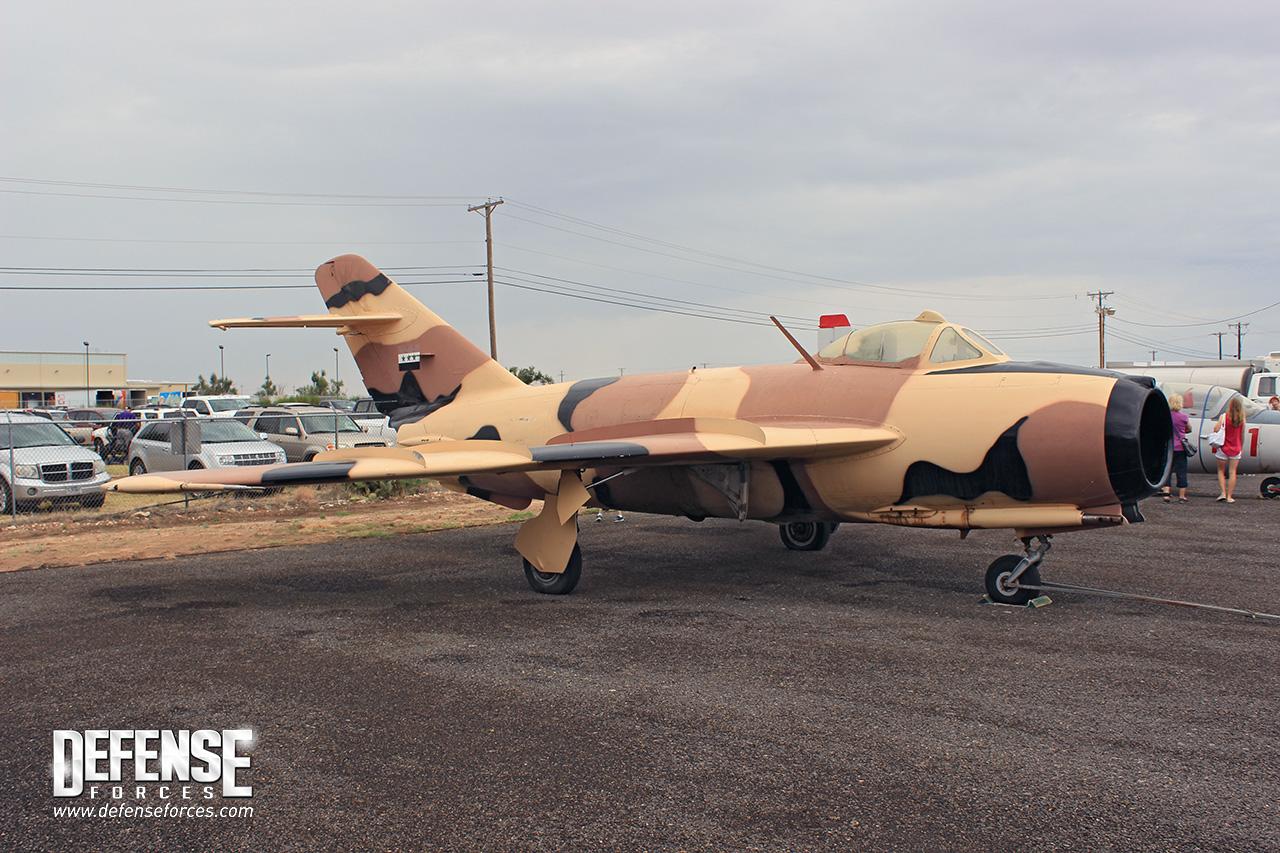 Fuerza Aérea Conmemorativa (CAF) CAF-MiG-17-1