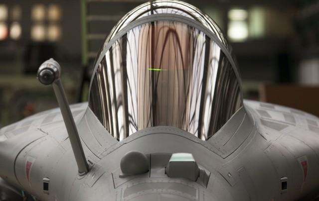 Rafale saindo da fabrica - foto via Dassault